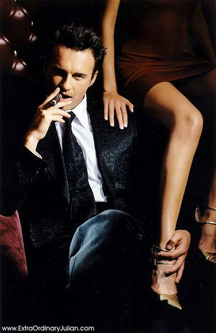 Julian McMahon - Burke Devilin, former friend of the Collins family now a wealthy man in his own right.