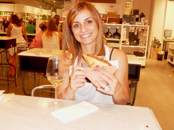 #robysushi #trapizzino #streetfood #rome #cucinaromana #traditionalfood #pontemilvio #testaccio
