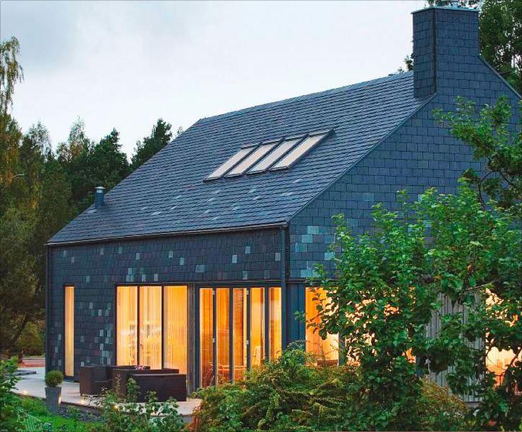 Ekstrands vikfönster 5-lufts i trä/aluminium på skiffervilla. #Ekstrands #vikfönster #fönster #arkitektur #architecture #house #hus