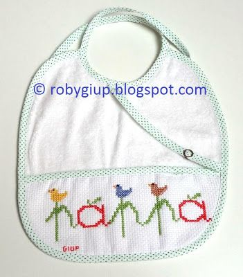"RobyGiup handmade: bavaglino ricamato a punto croce con scritta ""pappa"" - Cross-stitched bib with ""pappa"" (=""baby food"") writing"