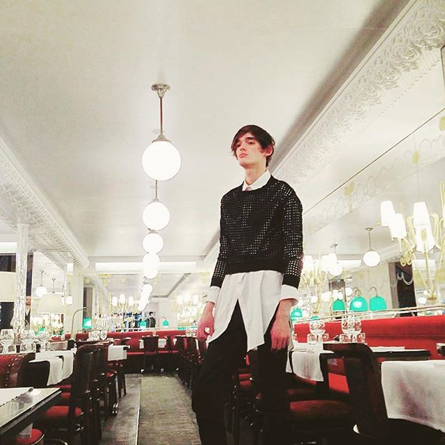 Sweat SIMONE porté par un homme, on aime ✌️ #Repost merci @justemagazine with @repostapp. ・・・ #bts #fashion #shooting @hotelthoumieux with @florentin.glemarec @icosae @justemagazine #malemodel #makingof #bts #behindthescenes #new #exclusive #fashioneditorial #hotelthoumieux #fashionphotograph @maud.maillard #Model #florentinglemarec #styling @laurentdesgrange #clothes @lei.1984 #broderieanglaise #eyelet #black #sweat #icosae #whiteshirt #liquette #beautiful #parisian #style