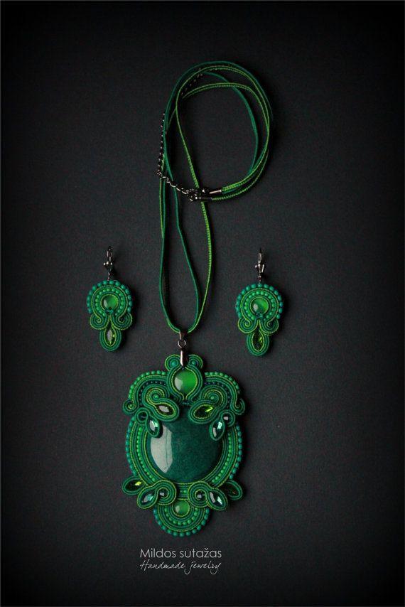 Handmade necklace pendant and earrings by Mildossutazas on Etsy