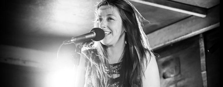 Gemma Lead singer Live music band queenstown | Calico Entertainment #queenstown #queenstownweddingband #destinationwedding