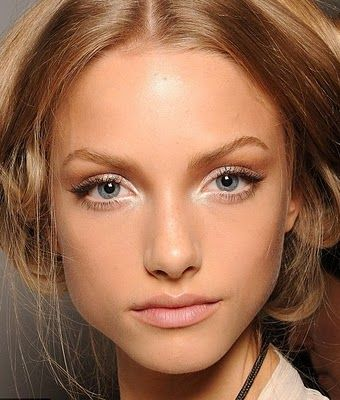 nude make up: nude lip, highlight, contour, soft liner