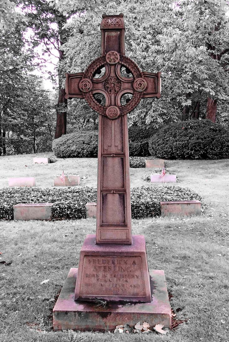 Interesting Celtic cross gravestone at Lake View Cemetery ...