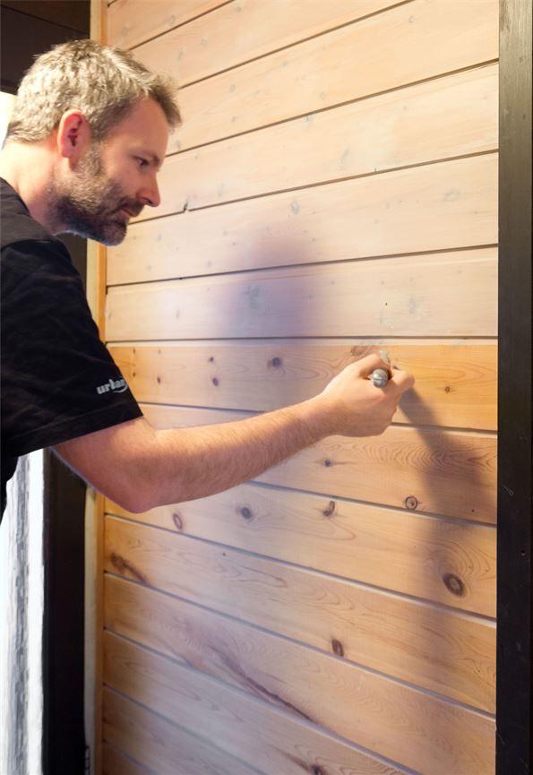 Bloom panelvoks Gulbrune hytteinteriører - ifi.no
