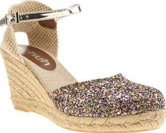 Schuh Multi Fiesta Ii Womens Sandals The Fiesta II is the perfect amount of glitz and glam for your summer vacation. This 9cm wedge sandal from schuh features a multi-coloured glittery upper with woven detailing at the heel. A silver ank http://www.comparestoreprices.co.uk/january-2017-8/schuh-multi-fiesta-ii-womens-sandals.asp