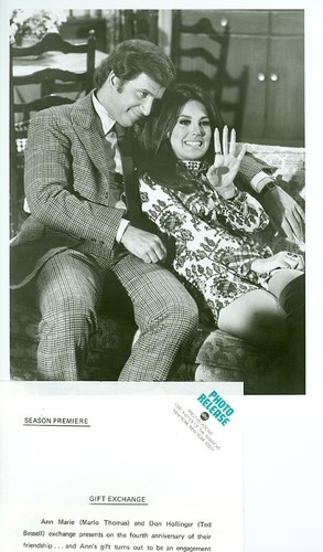MARLO THOMAS TED BESSELL ENGAGEMENT RING THAT GIRL ORIGINAL 1970 ABC TV PHOTO