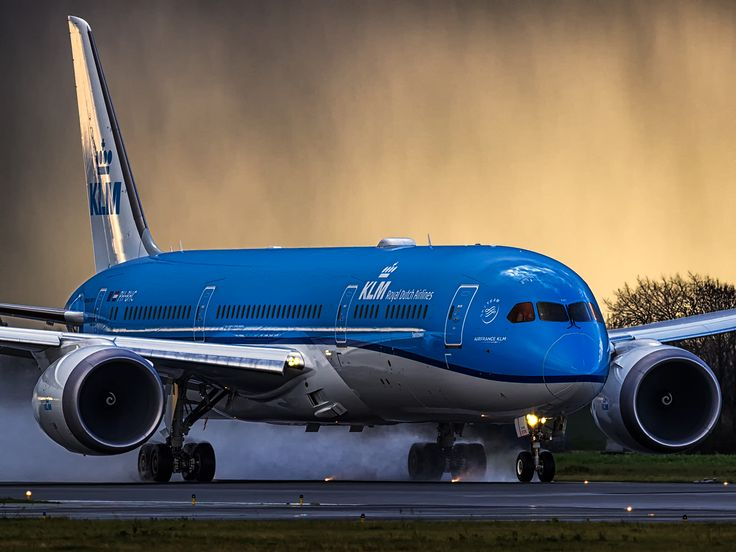 Welcome Flight to Get to Know KLM's Boeing 787 Dreamliner