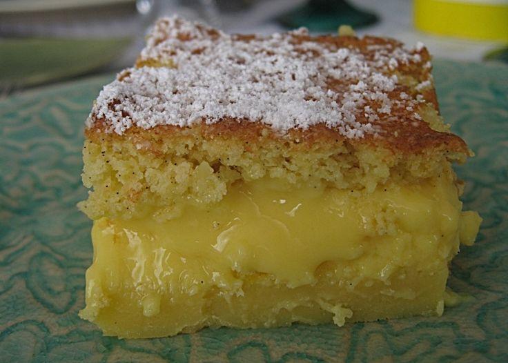 Bolo-Pudim de Baunilha e Limão - http://www.sobremesasdeportugal.pt/bolo-pudim-de-baunilha-e-limao/