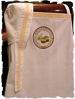 Delantal y bandana para un regalo. Con el logo del blog