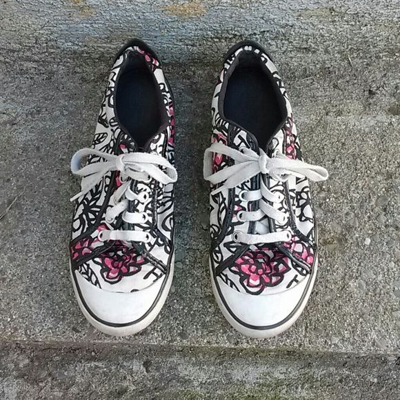 Coach Poppy Grafitti Sneakers Loved Coach pennies.  Very good used condition. Coach Shoes Sneakers