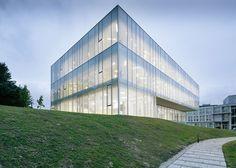 TVITEC BLOG: El vidrio arquitectónico de TVITEC regenera en Torrelavega una zona urbana degradada a través de un moderno centro de adultos
