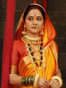 Mrinal Dev-Kulkarni (Actress) Profile with Bio, Photos and Videos - Onenov.in