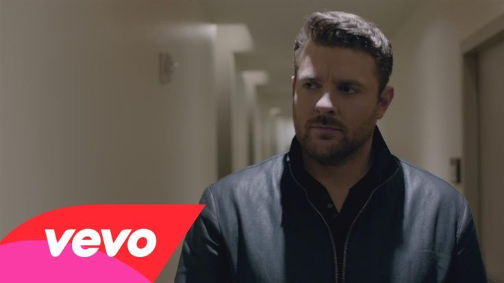 "Chris Young - I'm Comin' Over (Official Music Video)     Chris Young's new song, ""I'm Comin' Over,"" is now available on Apple Music: http://smarturl.it/imcominover or Amazon Music: http://smarturl.it/amzimcominover. Or listen on Spotify: http://smarturl.it/Cyspotify"