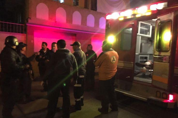 Elementos de la Policía Michoacán, lograron la captura de dos asaltantes vecinos de Infonavit Constituyentes que minutos antes habían asaltado una tienda de abarrotes, implementando un impresionante operativo en colonias ...