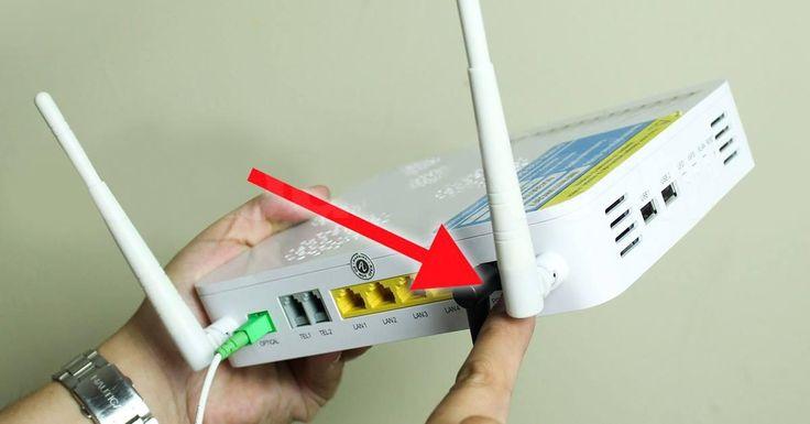 Чем дальше твоя техника находится от роутера, тем слабее сигнал Wi-Fi! Эту простую истину часто забывают, жалуясь на слишком медленный Интернет в доме. Больше интересной информации и полезных советов вы всегда сможете найти на нашем сайте. Длина радиоволны, которая связывает твой ноутбук, планшет или смартфон с Сетью — 12 см. Если ты хочешь, чтобы домашний …