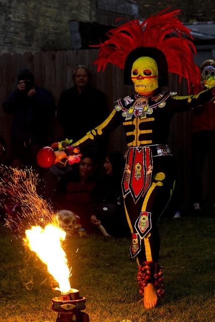 Ballet Folklorico Performers, Dia de los Muertos, via Flickr.