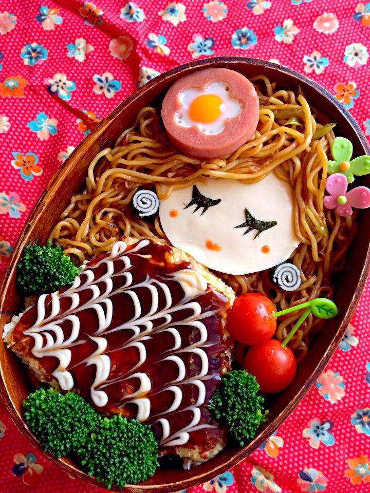 日本人のごはん/お弁当 Japanese meals/Bento お好み焼きと焼きそばがこうなるとは…相当クオリティ高いですネ\(◎∀◎)/