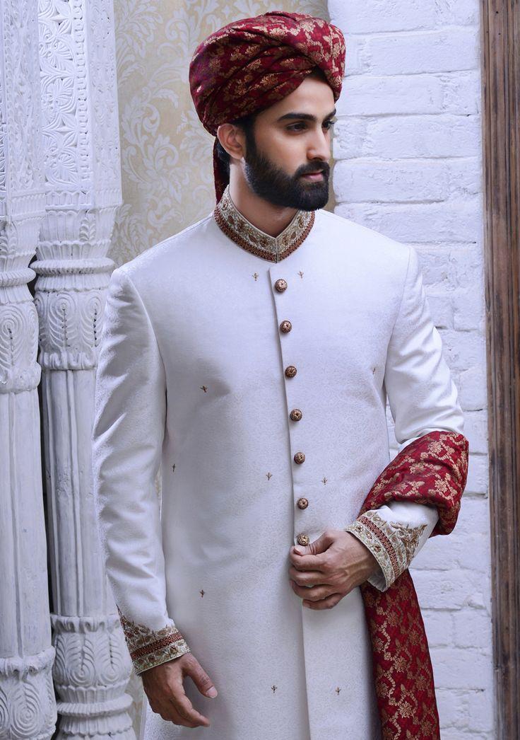 White sherwani. Amir Adnan