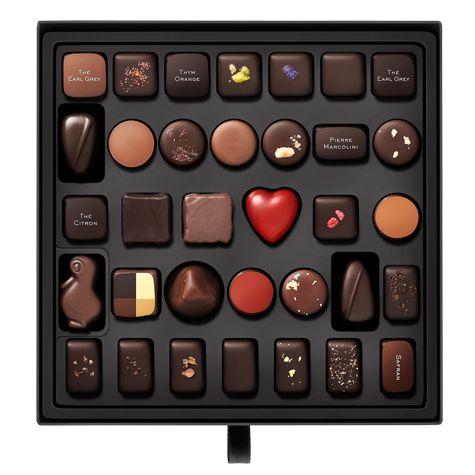 Suggestion n°1  34 Chocolates originales en una colección que es la culminación de un largo proceso creativo. Una mezcla sutil de invenciones vanguardistas y grandes clásicos que ilustra perfectamente la forma de entender el chocoalte de #PierreMarcolin