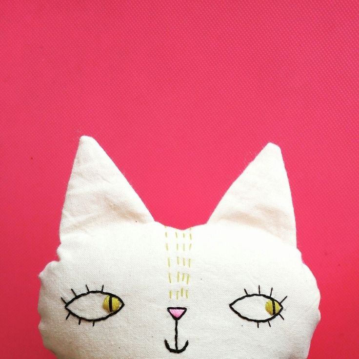 A new stuffed toys available in shop, the cat with pink dots!