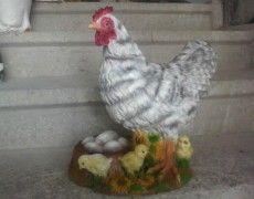 Yumurtalı Tavuk Heykeli