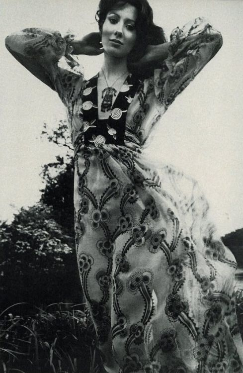 Moyra Swann wearing a dress by Ossie Clark with print by Celia Birtwell for Vogue UK, July 1969. Photo by David Montgomery.