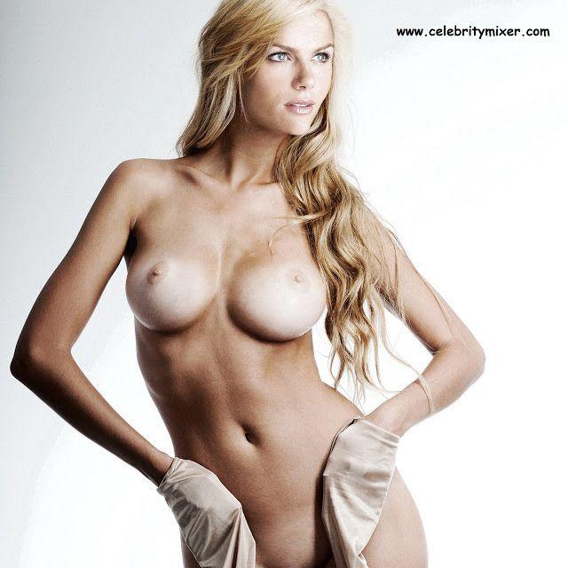 Hot wet chicks nude underwear gif