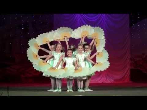 Республиканский конкурс.Детский сад №32 г. Бендеры.Мои любимые девочки -ромашки... - YouTube