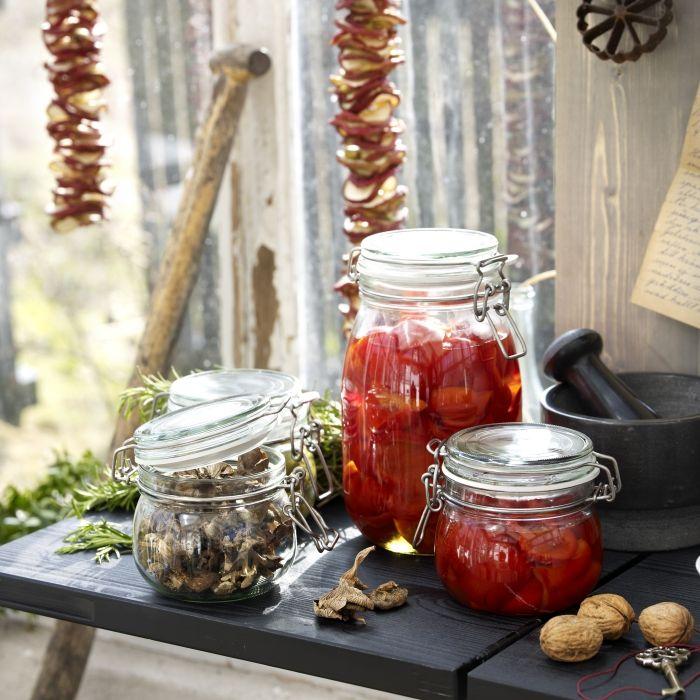 Το φθινόπωρο είναι μια καλή εποχή για να οργανώσουμε την κουζίνα μας! Σάλτσες και μαρμελάδες φτιάχνονται τώρα και κλείνονται σε βαζάκια για να τα χρησιμοποιήσουμε τον χειμώνα!