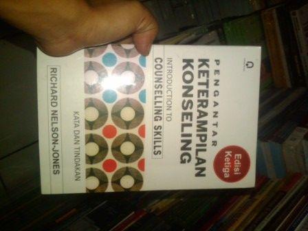 http://pustakahidayah.co.id/buku-psikologi/buku-pengantar-keterampilankata-dan-tindakan-pengarang-richard-nelson-jones