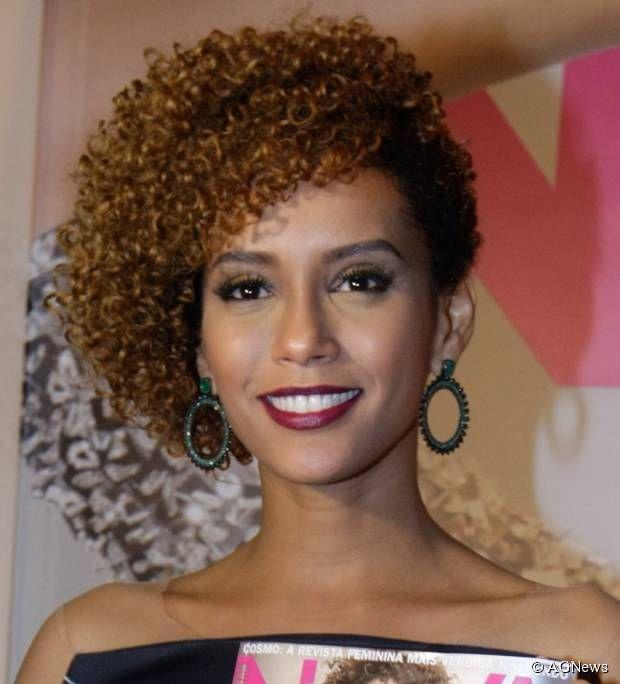 Inspiração: Penteados para cabelos curtos! — Niina Secrets   Penteado cabelo crespo, Cabelo, Cabelo penteado