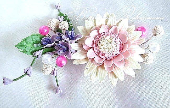 260 отметок «Нравится», 2 комментариев — Свадебные аксессуары🔸Украшения (@viktorri.wedding.art) в Instagram: «Одна из моих стареньких работ, заколка с цветами из полимерной глины😁. Не знаю, что сегодня за день…»