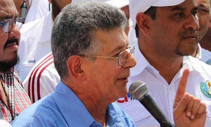 """Ramos Allup: Nunca dijimos que del diálogo se podría sacar un resultado positivo -  El secretario general de Acción Democrática, Henry Ramos Allup, aseveró este lunes que de las reuniones con el Ejecutivo, la oposición venezolana """"nunca dijo que se podría sacar un resultado positivo"""", porque se tiene por delante a """"un Gobierno que no cumple"""". Ramos Allup afirmó que de no llegar... - https://notiespartano.com/2018/01/29/ramos-allup-nunca-dijimos-del-dialogo-se-"""