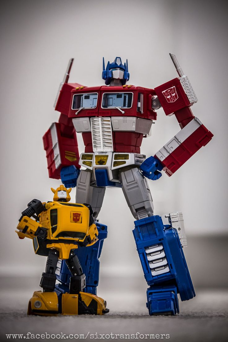 Transformers Masterpiece Optimus Prime and MP-21 Bumble (Bumblebee)