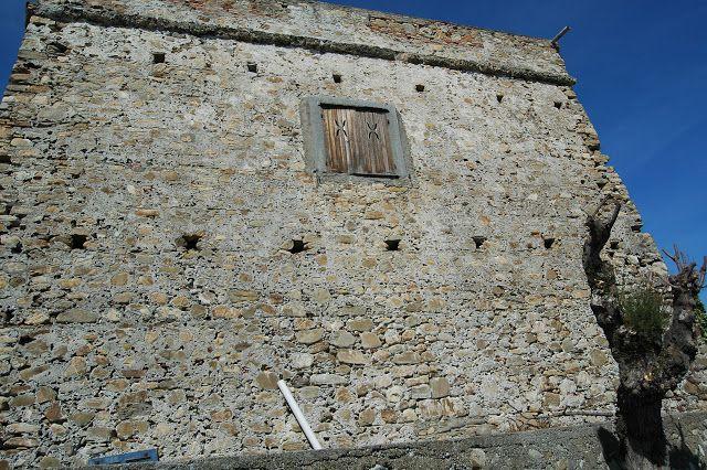 Riva Ligure (IM) - Torre antibarbaresca (XVI sec.)...