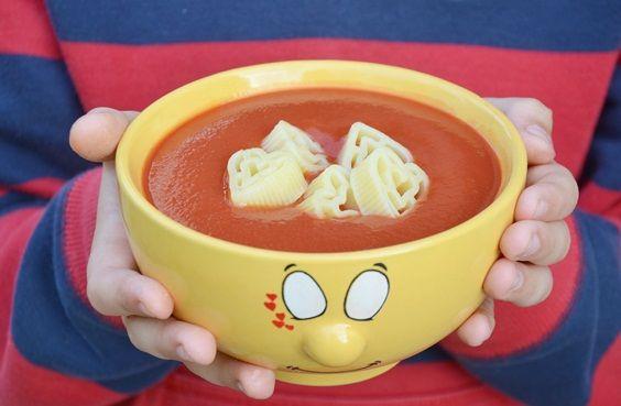 Nie macie pomysłu na to, jakie zupy dla dzieci podawać swoim pociechom? Koniecznie zobaczcie naszą listę Top 10 przepisów. Przekonają każdego niejadka!