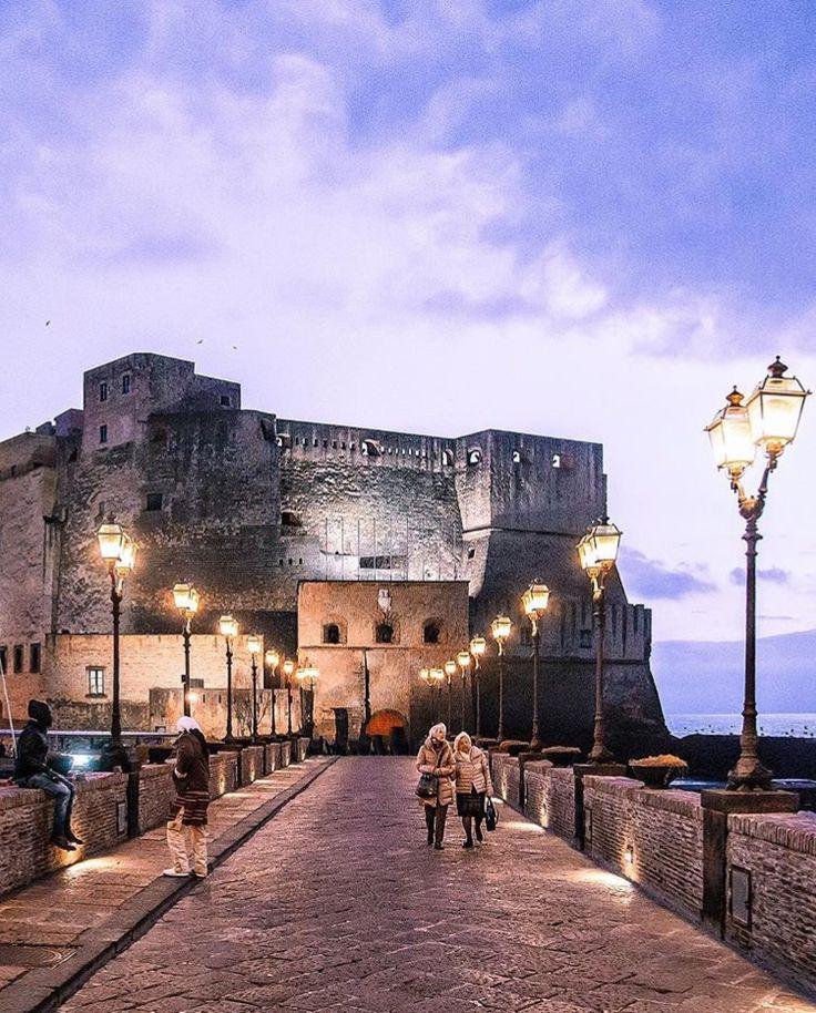 Castel dell'Ovo (Castelo do Ovo), Nápoles, Itália