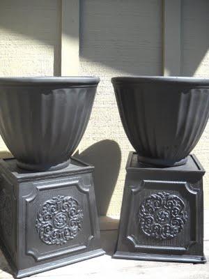 DIY urn potters!! ORB spray paint on plastic planters