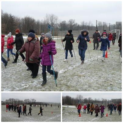 Dzień babci i dziadka na sportowo! Uczniowie z Zespołu Szkół w Biezdrowie zabrali swoich dziadków na Nordic Walking.