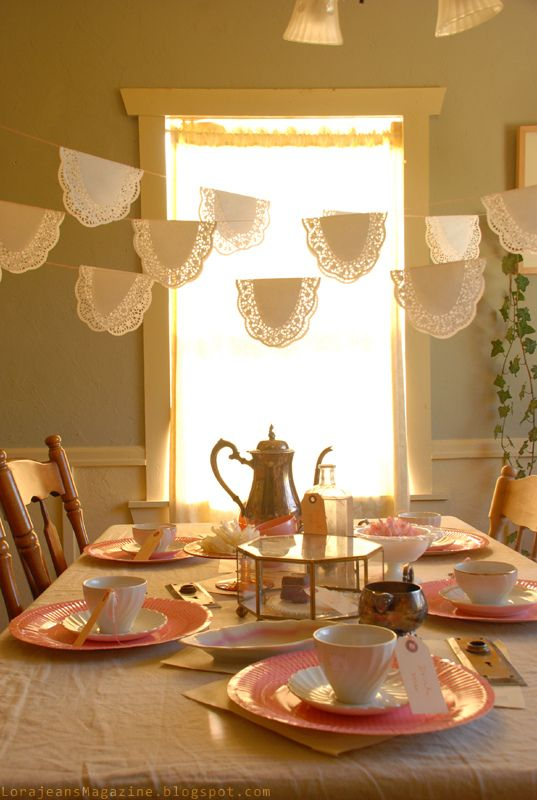 Really pretty and super simple party decor.