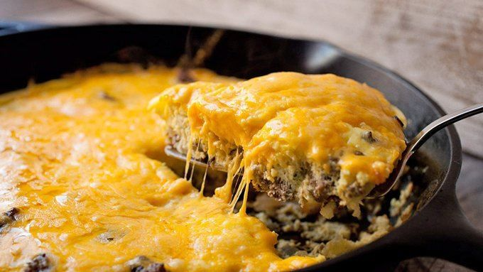 Simple Cheeseburger Frittata- All the flavors of a classic cheeseburger, baked into a frittata! #eggs #breakfast