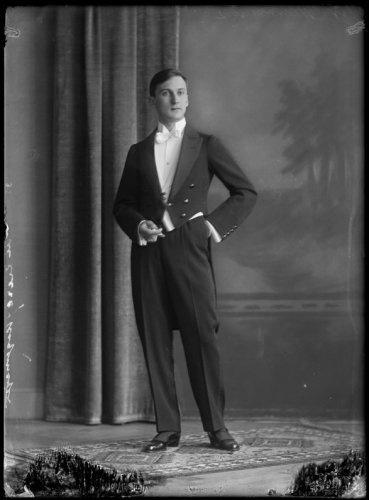 Gentleman, 1917