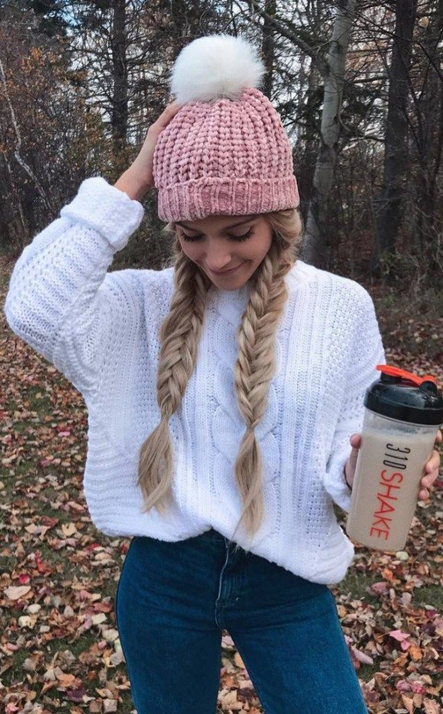Pretty Cool Winter Outfit Pink Hat Plus White Sweater Plus Jeans Cozy Fall Outfits Winter Outfits Casual Winter Outfits