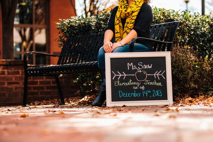 Best Friend College Senior Portrait Shoot at VCU - Monroe Park Campus in Richmond, VA. Becoming a teacher - check out her cute chalkboard announcement sign!
