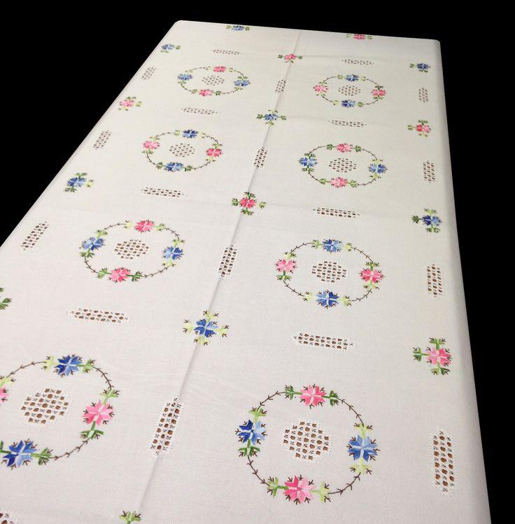 240 best images about bordados on pinterest cross stitch - Como doblar servilletas de tela ...