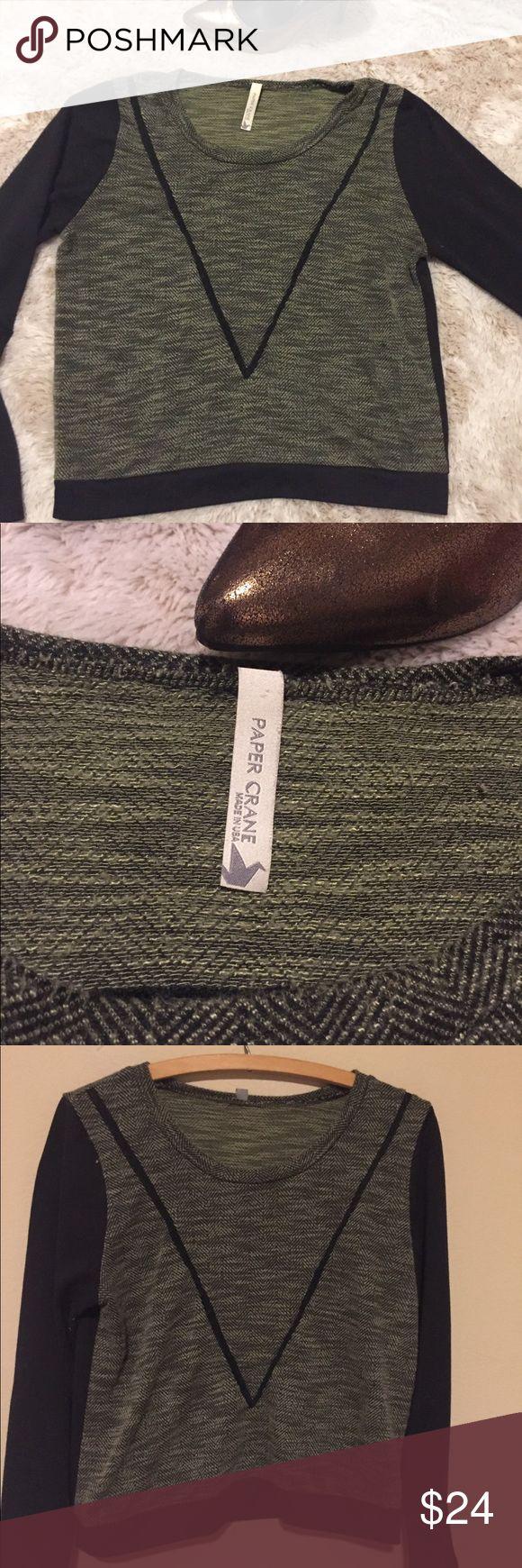 Women's Anthropologie Green Long Sleeve Top Size M Super cute green and black long sleeve top, Anthropologies Paper Crane Brand, Women's Size M Anthropologie Tops Tees - Long Sleeve