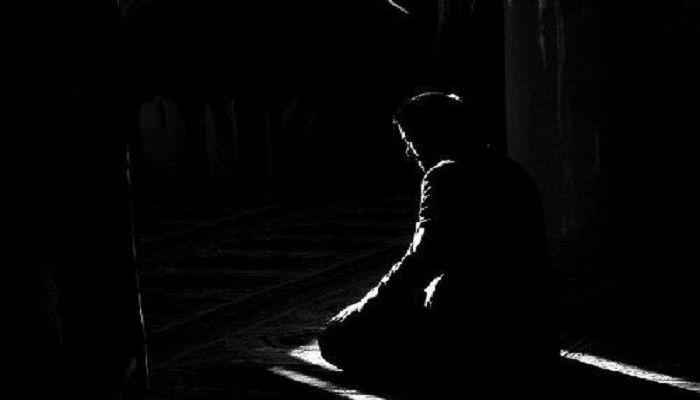A Muslim Prayer Trick Or Treat About Islam Muslim Pictures Man Praying Muslim Pray