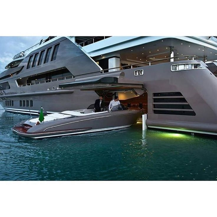Another boatception aka a boat within a boat.  #yacht #yachts #superboat #superyacht #superyachts #cruise #vacation #wealthmanagement #wealth #entrepreneur #saltlife #fishing #fish #castaway #cast #surf #surfing #sealegs by regal_yachts